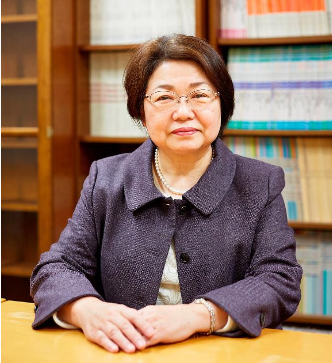 食物栄養科学部長 高橋享子 教授